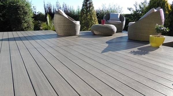 pose terrasse composite sur plot reglable