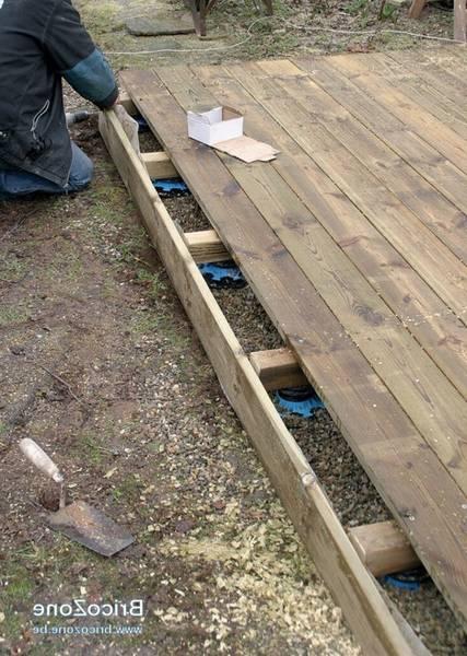 pose terrasse bois sur plot sol meuble